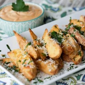 Crispy Baked Potato Wedges {Grain & Gluten Free} served with Creamy BBQ Dip