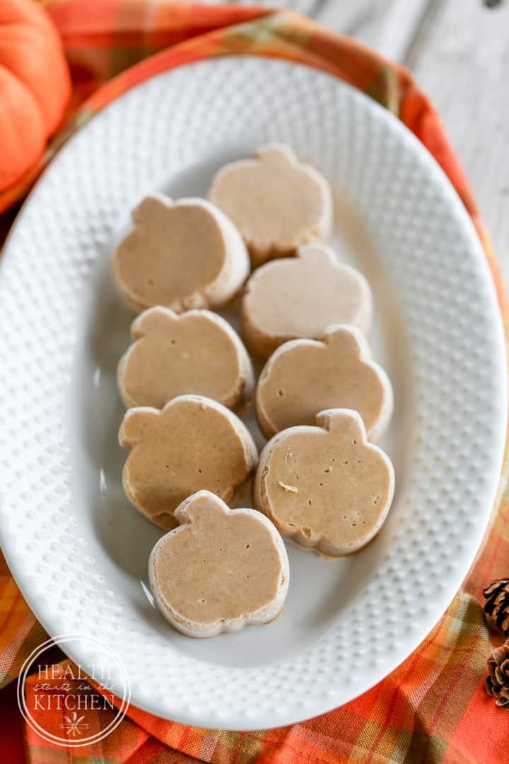 Maple Pumpkin Pie Fudge {Paleo & Low-Carb}