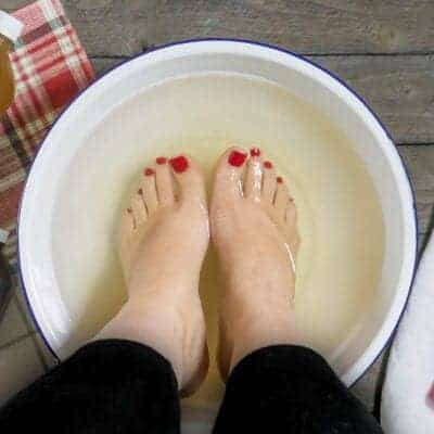 How to Have Soft Feet All Year Long & DIY Homemade Foot Soak