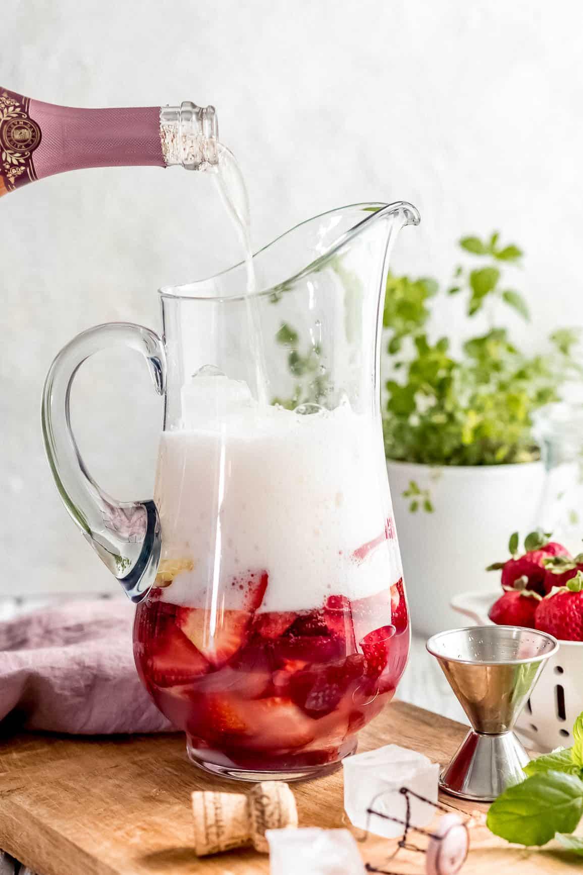 The Best Cocktail of Summer; Sparkling Strawberry Rosé Wine Sangria #ad #SipTheSummer #UncorkExtraordinary #SantaMargheritaWine