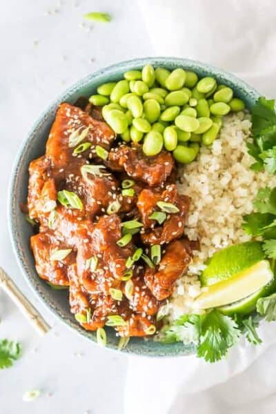 Bursting with favor, this Easy Keto Sriracha Lime Chicken Recipe cooks quickly and is finished in a delicious garlic infused low-carb sauce that's sweet and spicy, with hint of lime juice. And with only has 2g net carbs per serving, it won't sabotage your health!